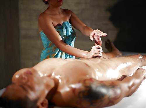 massage thailandais corps a corps hot